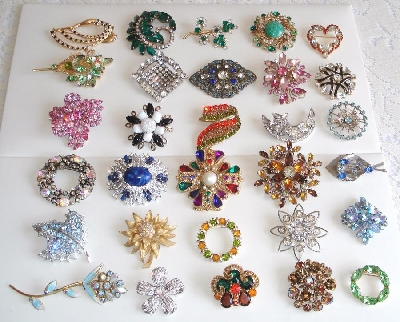 "Vintage Antique Costume Jewelry  ""Brooches, Pins & Lots Of Mixed Jewelry"