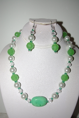 "MBAHB #013-088  ""One Of A Kind Green & White Bead Necklace & Earring Set"""