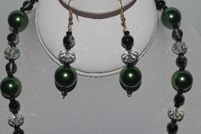 "MBAMG #018-154  ""One Of A Kind Green & Black Bead Necklace & Earring Set"""