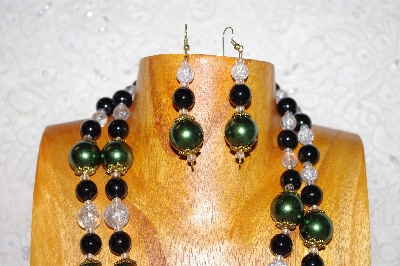 "MBADS #001-0388  ""Green, Black & Clear Glass Bead Necklace & Earring Set"""