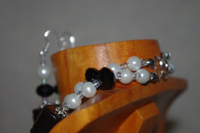 "MBADS #001-585  ""Black & White bead Tow Strand Necklace & Earring Set"""