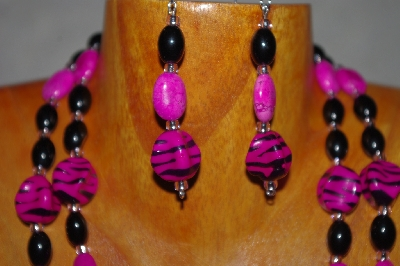 "MBADS #001-581  ""Pink & Black Bead Double Strand Necklace & Earring Set"""