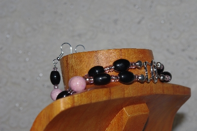 "MBADS #04-798  ""Pink & Black Bead Necklace & Earring Set"""