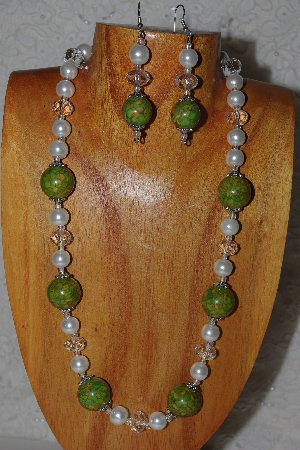 "MBASS #0003-219  ""Green,Clear & White Bead Necklace & Earring Set"""