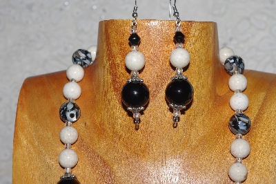 "MBASS #0003-0160  ""White & Black Bead Necklace & Earring Set"""