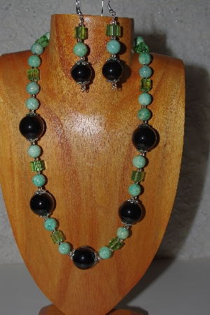 "MBAMG #100-0181  ""Black & Green Bead Necklace & Earring Set"""