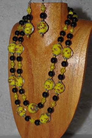 "MBAMG #100-0359  ""Yellow & Black Bead Necklace & Earring Set"""