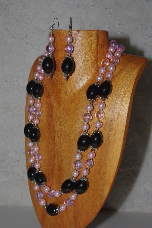 "MBAMG #100-0338  ""Pink & Black Bead Necklace & Earring Set"""