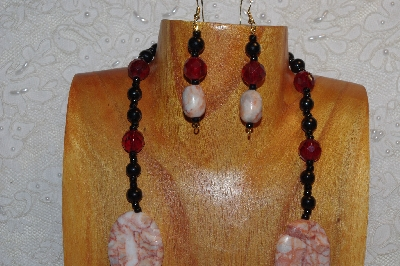 "MBAHB #312-0013  ""Redline Marble & Mixed Bead Necklace"""