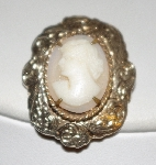 "+MBA #1818-0034  ""Gold Filled Vintage Shell Cameo Pin"""