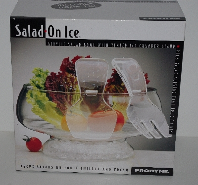"+MBA #2626-0137  ""2002 Salad On Ice Salad Bowl With Vented Ice Chamber & Dome Lid"""""