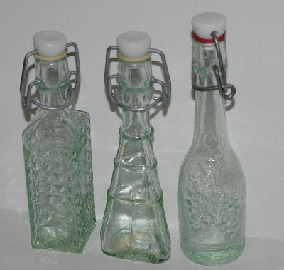 "MBA #2727-476  ""Set Of 6 Fancy Mini Clear Glass Bottles With Stoppers"""