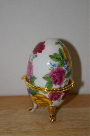 "+MBA #9-242  ""Multi Colored Roses Egg Shapped Trinket Box With A Candle Inside"