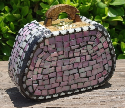 "MBA #5559-0070  ""White & Iridescent Pink Stained Glass Purse Shaped Mosaic Jewelry Trinket Box"""