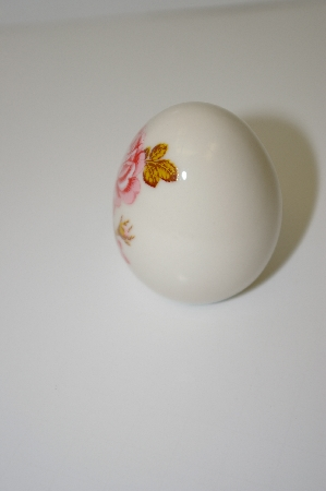 +MBA #10-242  White Marble Egg With Pink Rose