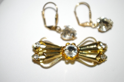 +MBA #25-334  Vintage Gold Plated Pin & Earring Set