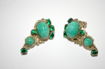 **MBA #6-1239   Vintage Green Stone & Rhinestone Clip On Earrings