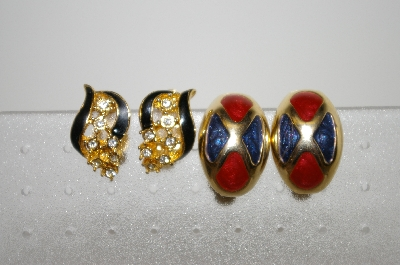 **MBA #6-1383  2 Pairs Of Vintage Gold Tone Enameled Clip On Earrings