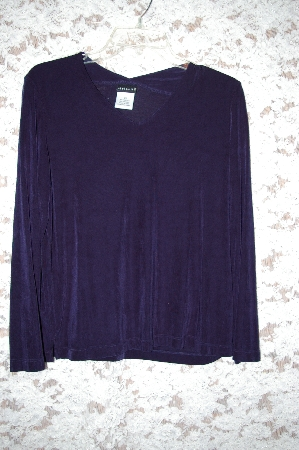 "+MBA5 #1951  ""Citiknits Solid V-Neck Long Sleve Top"