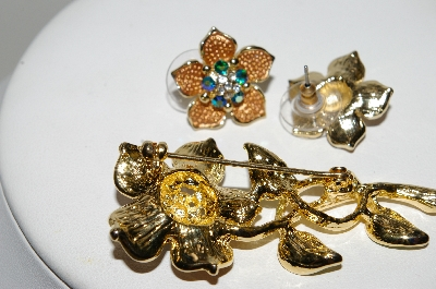 "+MBA #99-029   ""Vintage Goldtone Tri Colored Rhinestone Flower Pin & Matching Pierced Earrings"""