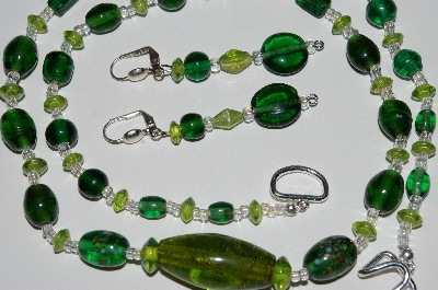 "MBA #B3-115  ""Green & Clear Glass Bead Necklace & Earring Set"""