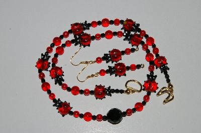 "MBA #B4-2932  ""Fancy Red Glass Lady Bug, Glass Bead & Black Crystal Necklace & Matching Earring Set"""