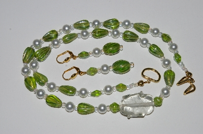 "MBA #B5-069   ""Green Luster Glass Bead & White Glass Pearl Necklace & Matching Earring Set"""