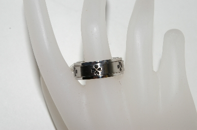 "+MBA #87-106  ""Size 10  Mens Stainless Steel Spinner Clover Band  Ring"""
